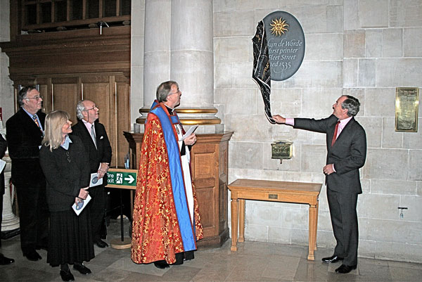 Unveiling of plaque to Wynkyn de Worde at St Bride's church