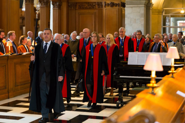 Stationers' Company processing formally in St Bride's