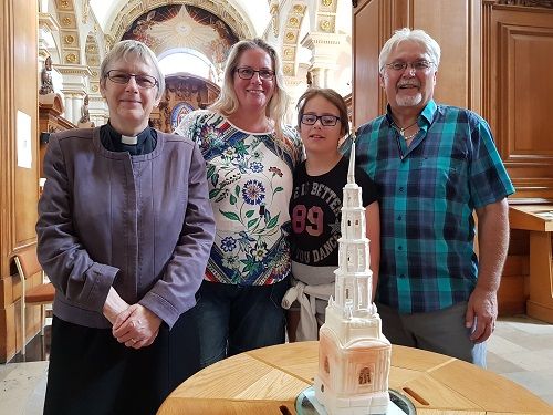 Edible St Bride's steeple used on a wedding cake by a descendant of baker William Rich
